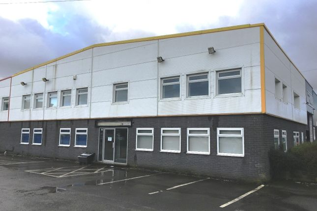 Thumbnail Office to let in Moorfield Road Estate, Yeadon