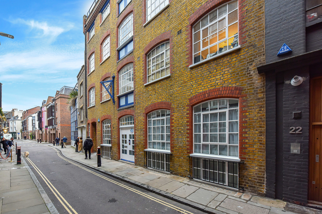 3 bed flat for sale in Middle Street, London EC1A