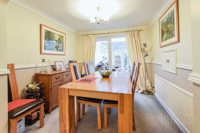 Dining Room of Chapman Lane, Grassmoor, Chesterfield S42