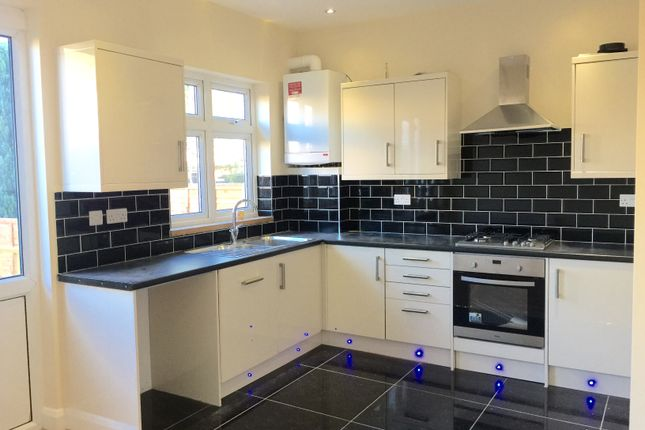 Thumbnail Terraced house to rent in Fencepiece Road, Essex