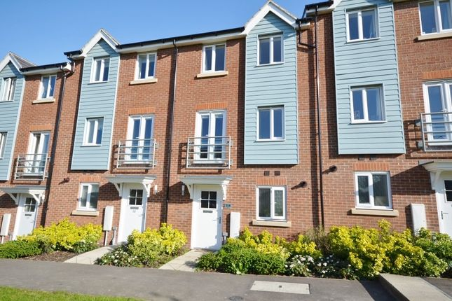 Thumbnail Property to rent in Weavers Close, Eastbourne