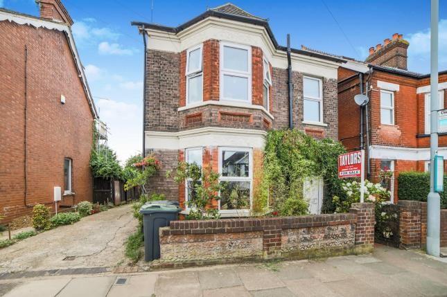 Thumbnail Detached house for sale in Grange Avenue, Luton, Bedfordshire