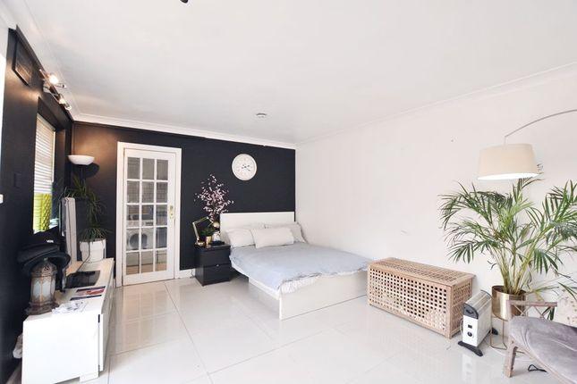 Studio to rent in Tachbrook Road, Cowley, Uxbridge UB8