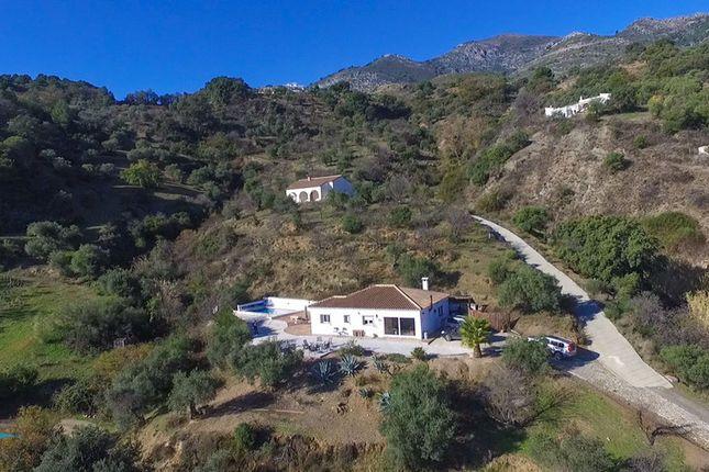 3 bed country house for sale in Casarabonela, Málaga, Spain