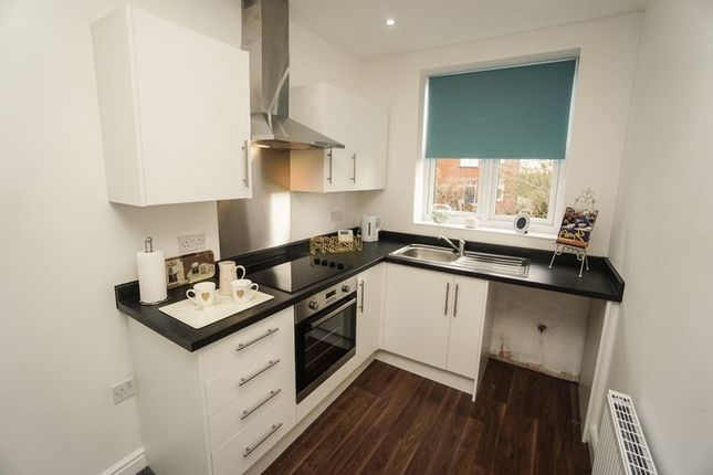 Thumbnail Flat to rent in Scholes Bank, Horwich, Bolton