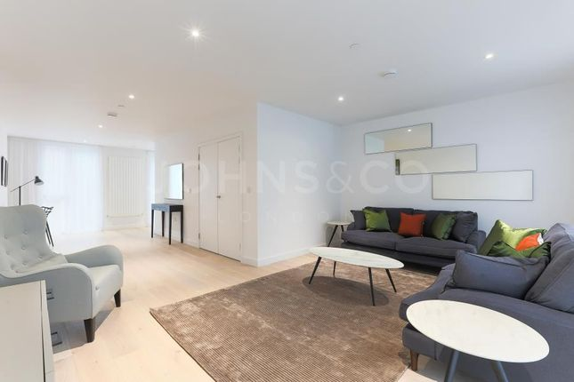 Thumbnail Town house to rent in Starboard Way, Royal Wharf, London
