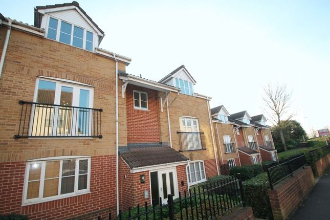 Thumbnail Flat to rent in Linden Court, Clarence Road, Kingswood, Bristol