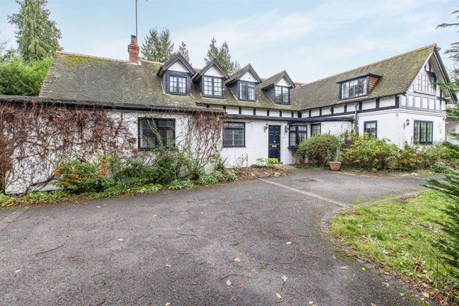 Thumbnail Detached house for sale in Islet Road, Maidenhead