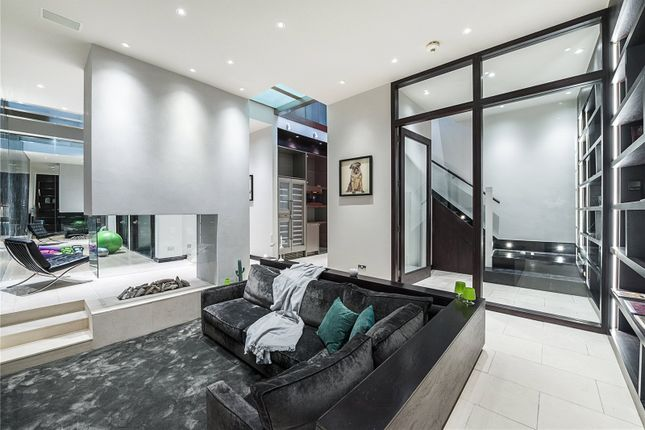 Thumbnail Mews house for sale in Grosvenor Crescent Mews, London
