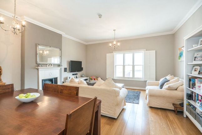 Thumbnail Flat for sale in High Street, Berkhamsted