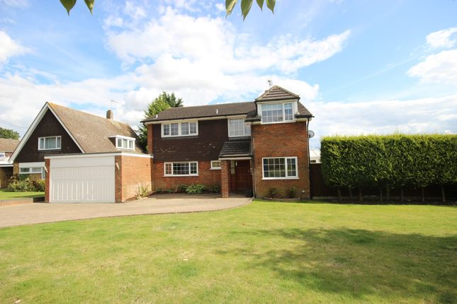 Thumbnail Detached house to rent in Burywick, Harpenden, Hertfordshire