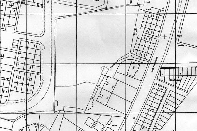 Thumbnail Land for sale in Bradford Road, Bailiff Bridge, Brighouse