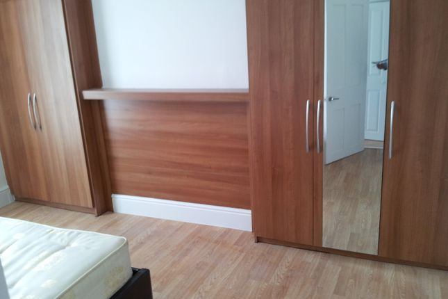 Thumbnail Triplex to rent in Acre Lane, Brixton