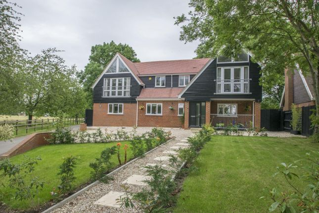 Thumbnail Detached house for sale in Oakley Court, Wallingford
