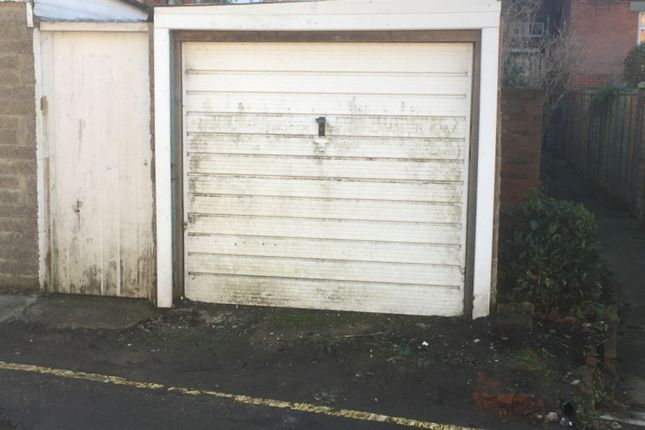 Parking/garage to rent in Castle Hill Avenue, Folkestone