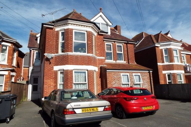 Thumbnail Flat to rent in Cecil Road, Boscombe