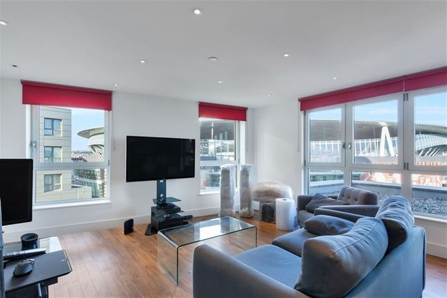 Thumbnail Property to rent in Queensland Road, London