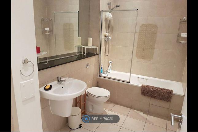 Bathroom of Newton Street, Manchester M1