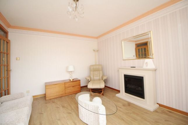 Lounge of Caithness Place, Kirkcaldy KY1