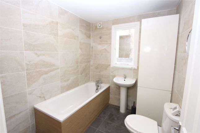 Thumbnail Maisonette to rent in Malvern Road, Enfield