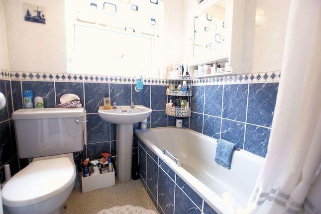 Bathroom of Oak Road, Fareham PO15