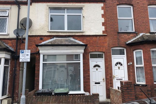 2 bed terraced house to rent in Dane Road, Luton