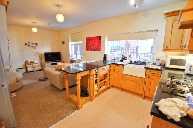 2 bed terraced house to rent in Cabbell Road, Cromer NR27