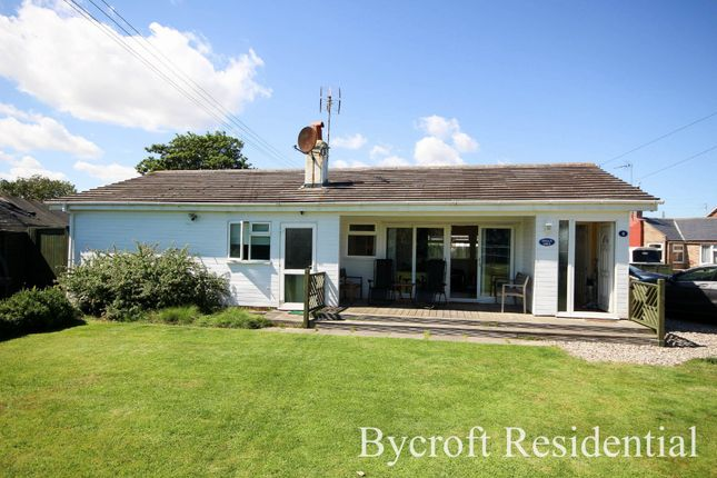Thumbnail Detached bungalow for sale in The Promenade, Scratby, Great Yarmouth
