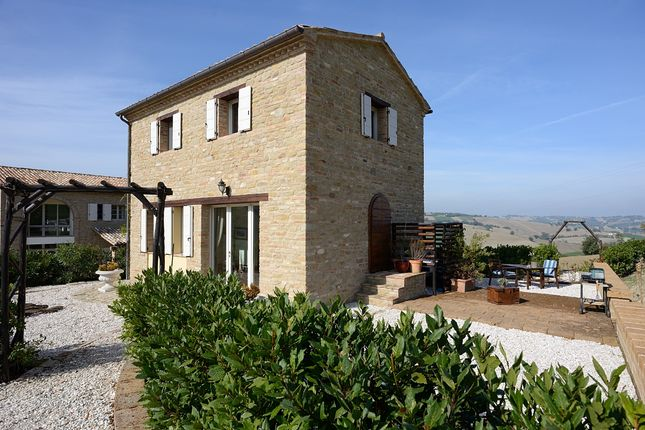 7 bed detached house for sale in San Ginesio, Ripe San Ginesio, Macerata, Marche, Italy