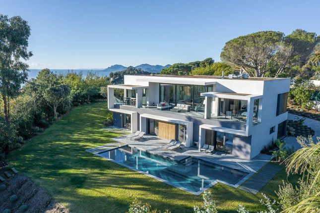 Thumbnail Villa for sale in Super Cannes, French Riviera, France
