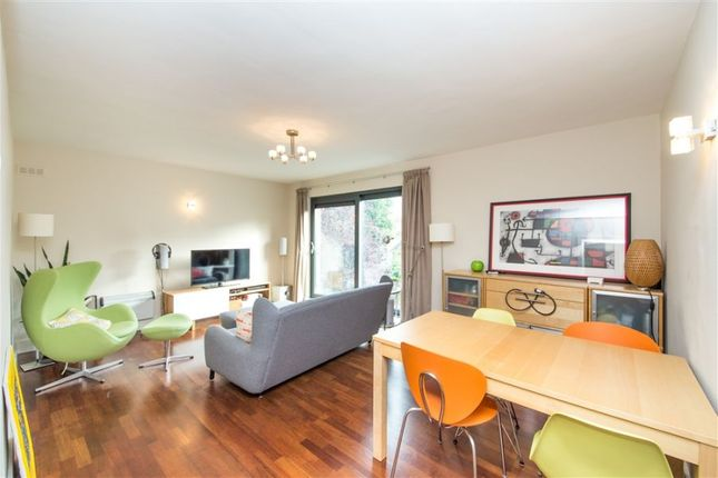 Thumbnail Flat to rent in Goldhurst Terrace, South Hampstead