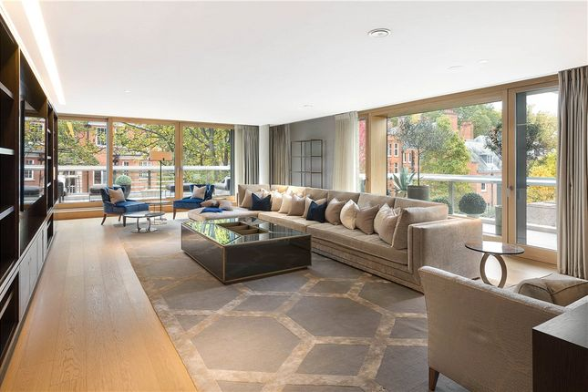 Thumbnail Flat for sale in Vicarage Gate House, Vicarage Gate, Kensington, London W8.