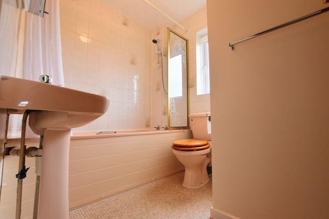 1 bed property to rent in Boxberry Gardens, Walnut Tree, Milton Keynes MK7