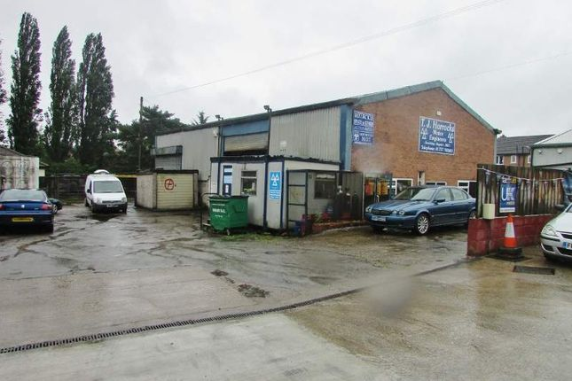 Thumbnail Parking/garage for sale in 140 Millgate, Selby