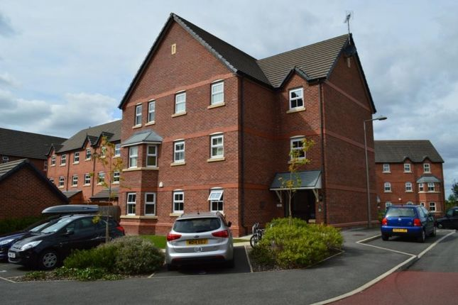Thumbnail Flat to rent in Collingwood Close, Hazel Grove, Stockport