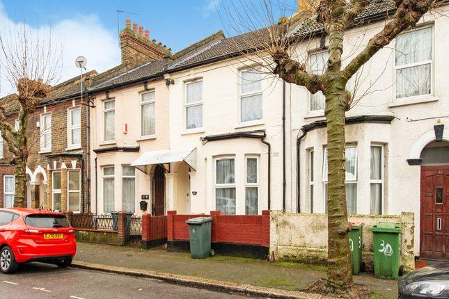 Thumbnail Flat for sale in Fentons Avenue, London