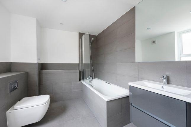 Thumbnail Room to rent in Farnborough, Farnboroguh
