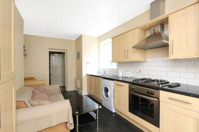 Thumbnail Property to rent in Deans Buildings, London