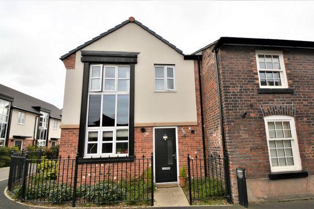 Thumbnail Town house to rent in China Lane, Nr Stockton Heath, Warrington
