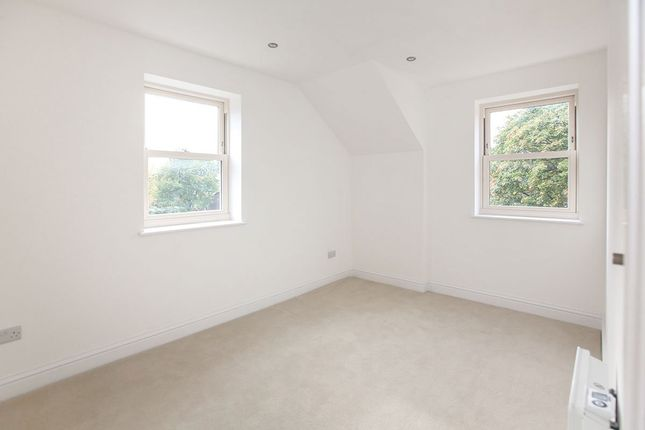 Picture No. 04 of Apartment Seven, Bow Garrett Brinksway, Stockport, Cheshire SK3