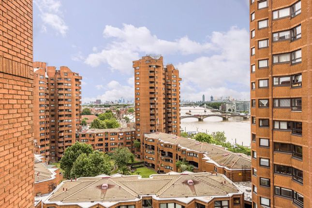 Thumbnail 2 bed flat for sale in Worlds End Estate, Chelsea, London