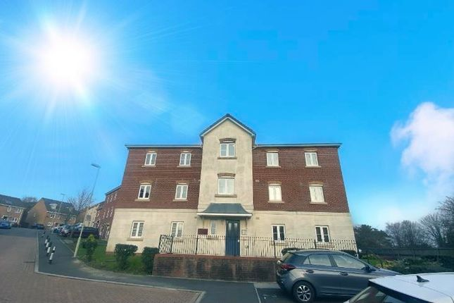 1 bed flat to rent in Longacres, Brackla, Bridgend CF31