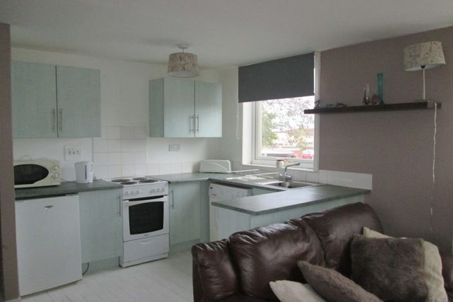 Thumbnail Flat to rent in Linton Court, Glenrothes