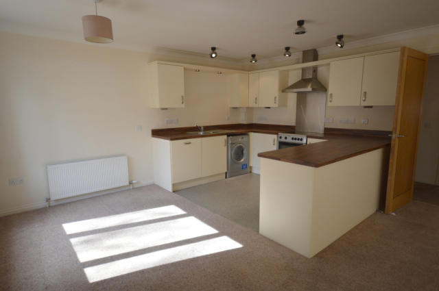 Thumbnail Flat to rent in Fairfield Road, Inverness IV3,