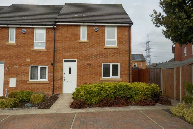Thumbnail Town house to rent in Rochester Road, Birstall, Batley, West Yorkshire