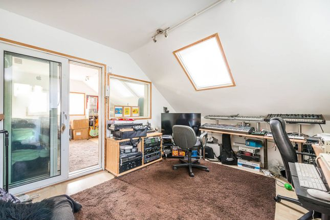 Thumbnail Property for sale in Dunstable Road, Richmond