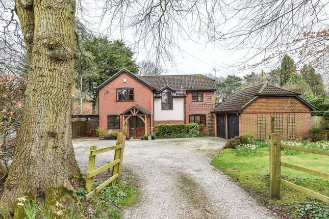 4 bed detached house for sale in Kingsmead, Lower Common Road, West Wellow, Romsey