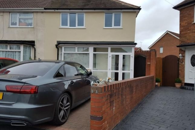 Thumbnail Semi-detached house to rent in Keys Crescent, West Bromwich, West-Midlands