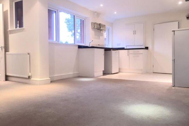 Thumbnail Flat to rent in Lake House, Park View, Bagshot, Surrey