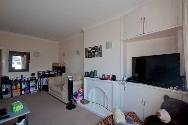 Lounge (2) of 103 Ashley Terrace, Alloa, Clackmannanshire 2Bb, UK FK10
